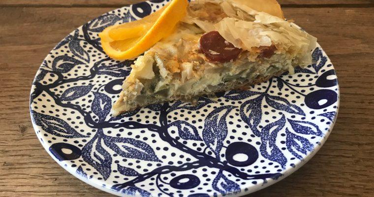 Hartige taart van filodeeg met venkel, chorizo, comte en sinaasappelrasp
