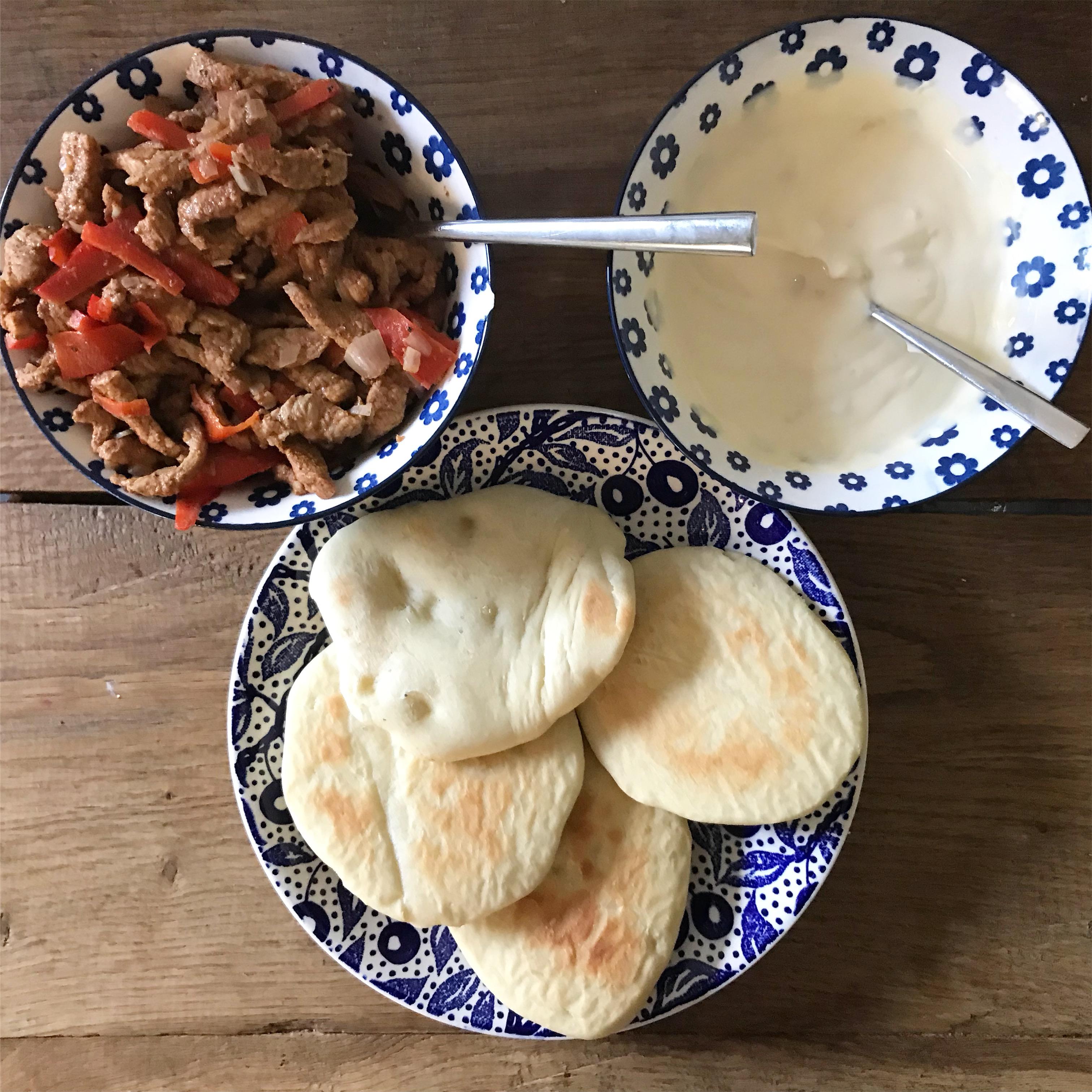 Zelfgemaakte shoarma en pita broodjes