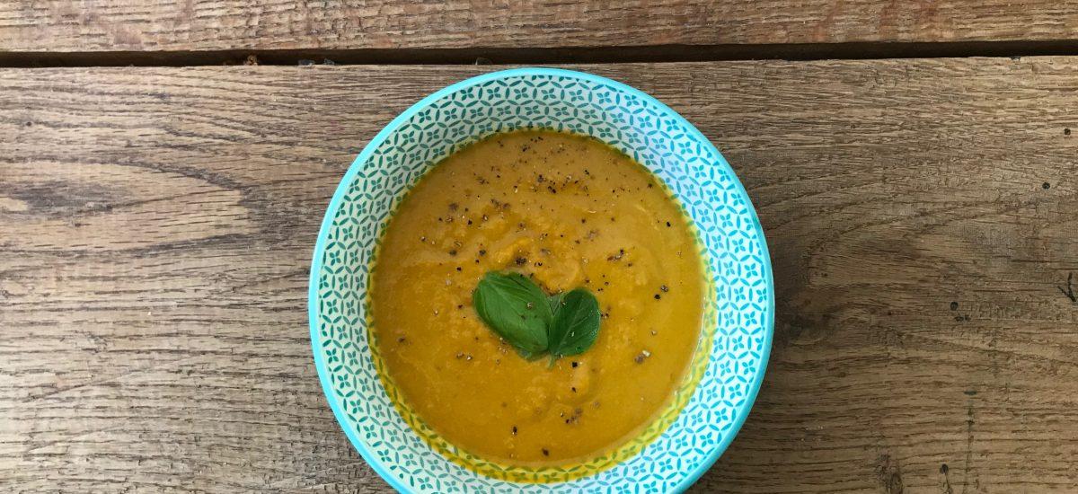 Wortelsoep met sinaasappelrasp en gember