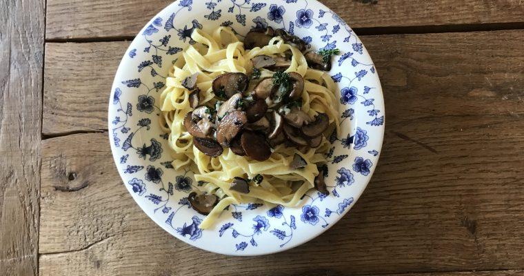 Pasta met truffel en kastanjechampignons