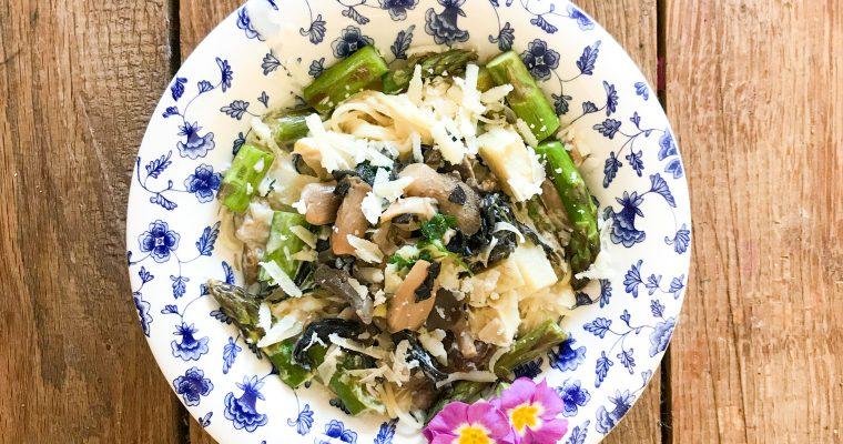 pasta 3 seizoenen groene asperges paddenstoelen en artisjok