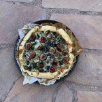 Hartige taart spinazie vijgen en blauwe kaas
