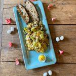 Paas omelet met groene asperges gorgonzola en roodlof