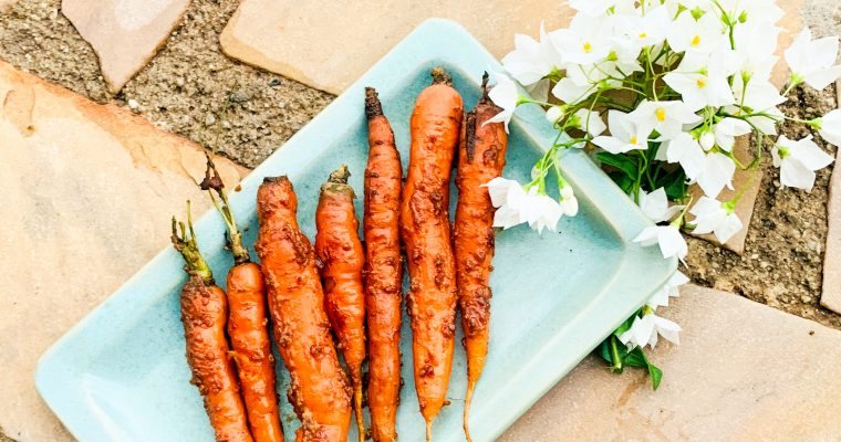 Geroosterde worteltjes met misosaus