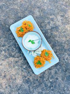 Heerlijke zoete aardappel latkes met baharat